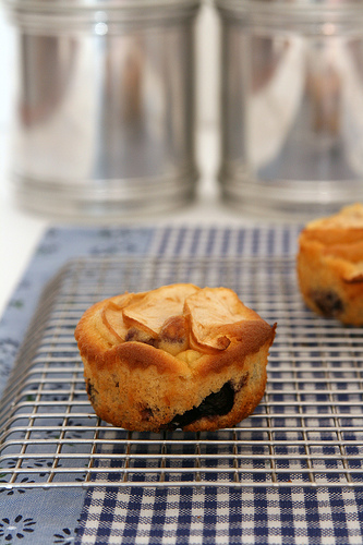 muffin with apple and blueberries