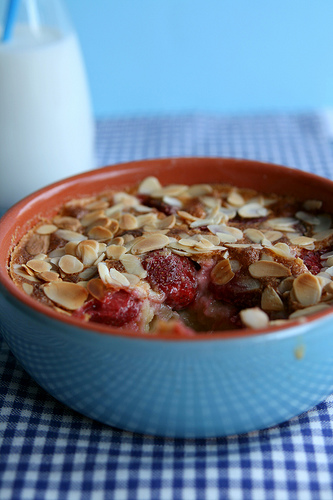 Strawberry almonds clafoutis