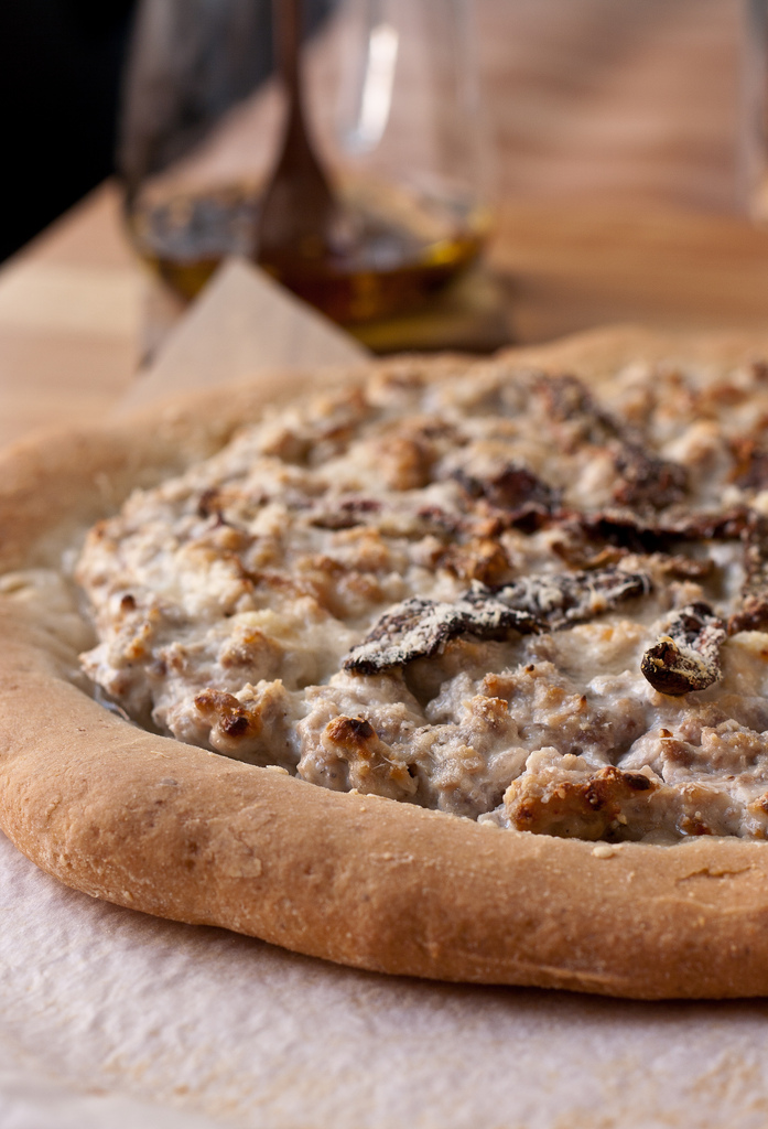 Gluten free pizza with ricotta e porcini mushroom